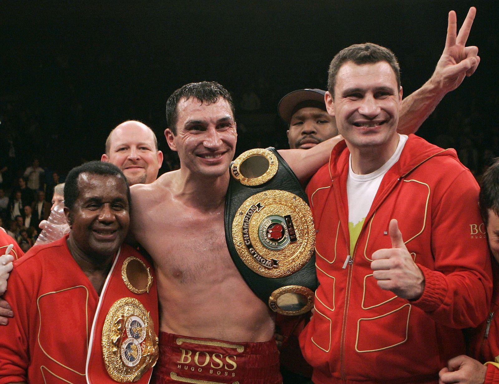 Wladimir Klitschko of Ukraine celebrates win over Calvin Brock of US in heavyweight championship in New York