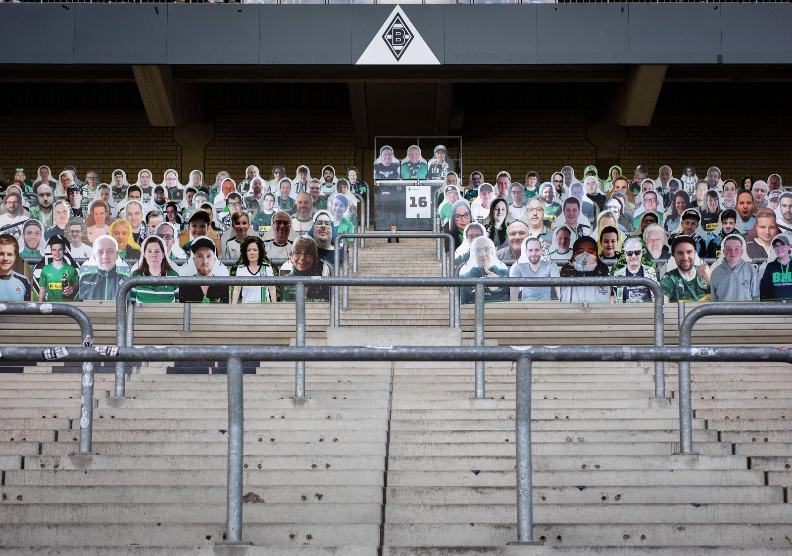 Mönchengladbach, 16.04.2020 Fans von Borussia konnten ihren eigenen Pappaufsteller in der Fankurve aufstellen lassen Bo