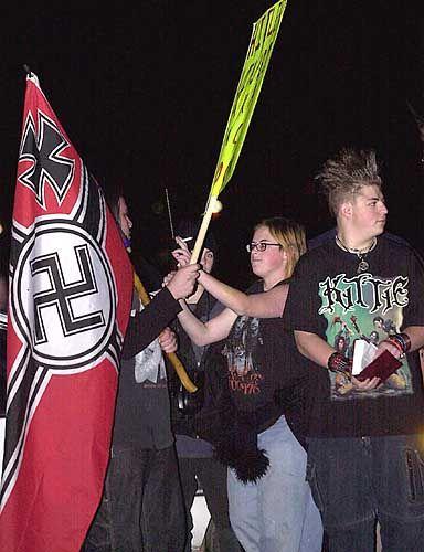 """Gegendemonstranten in Alamogordo: """"Hitler - Bin Laden - Pastor Brock"""""""