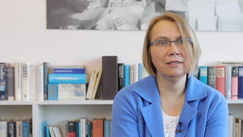 Dr. Veronika Hackenbroch