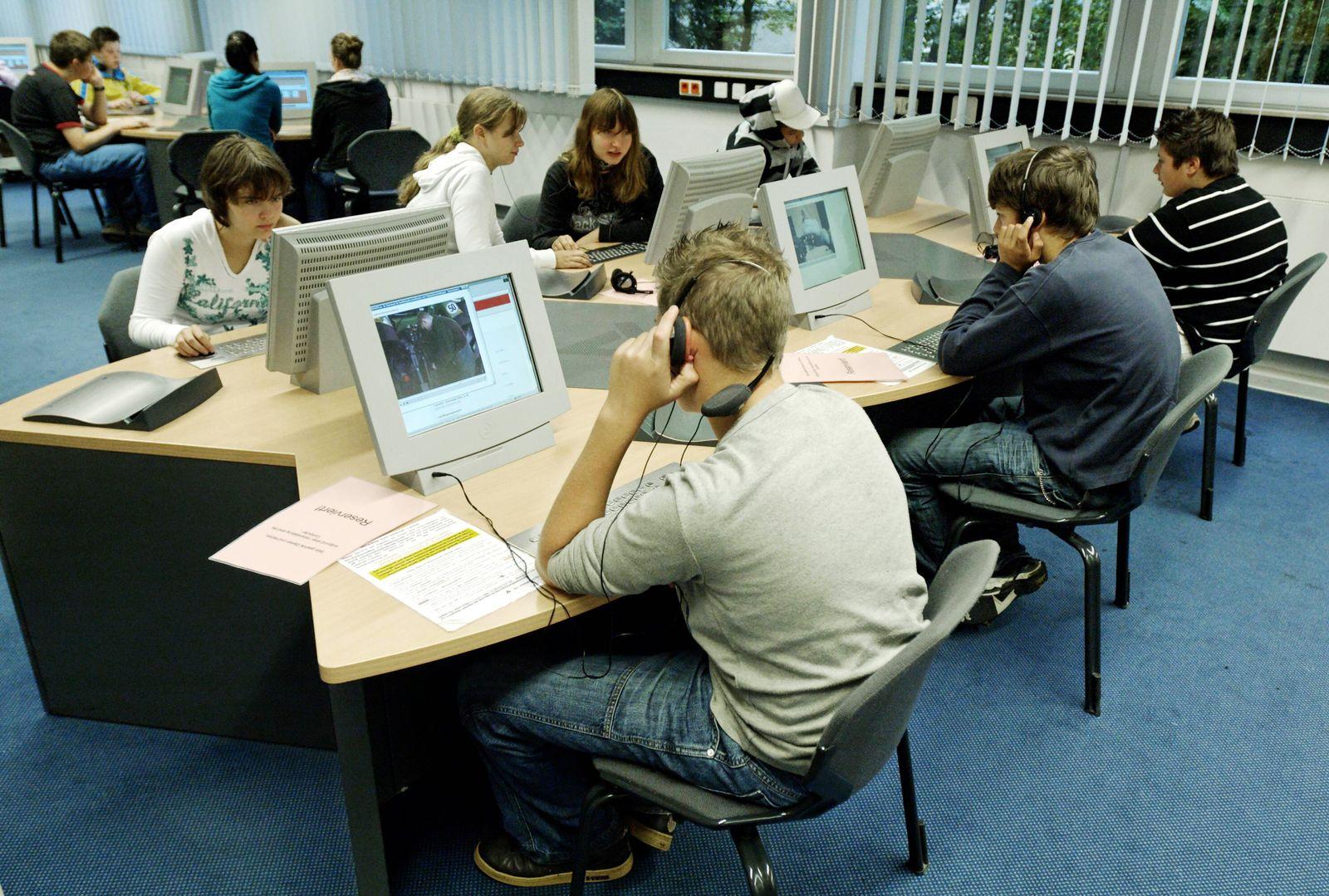 EINMALIGE VERWENDUNG Jugendliche/ Arbeitslos