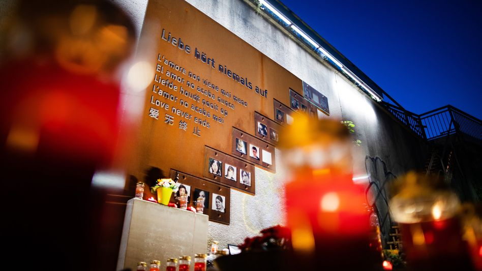 Gedenken: Bei dem Unglück kamen im Gedränge 21 Menschen ums Leben