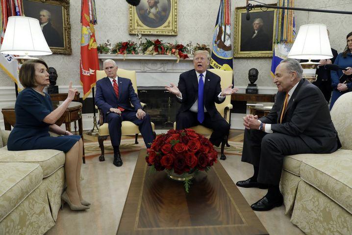Pelosi mit Trump im Oval Office