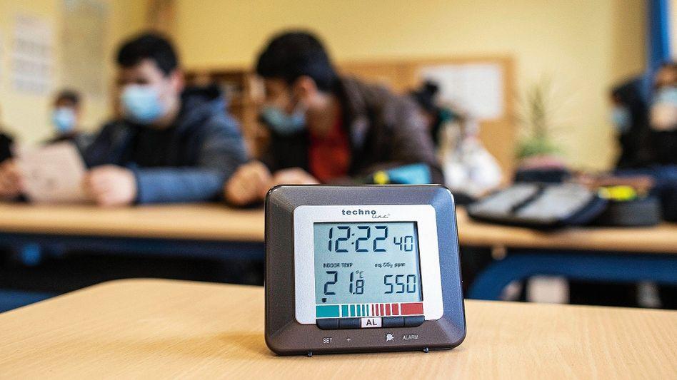 CO₂-Messgerät in einer Gesamtschule in Duisburg