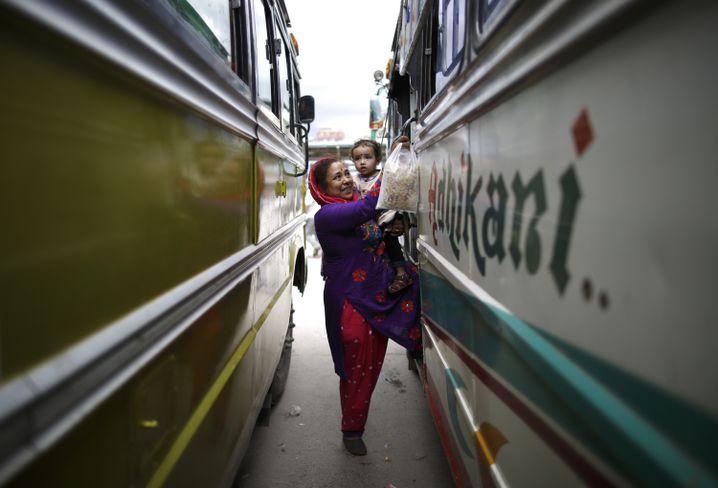 Jede vierte Frau in Nepal wurde bereits im Bus sexuell belästigt