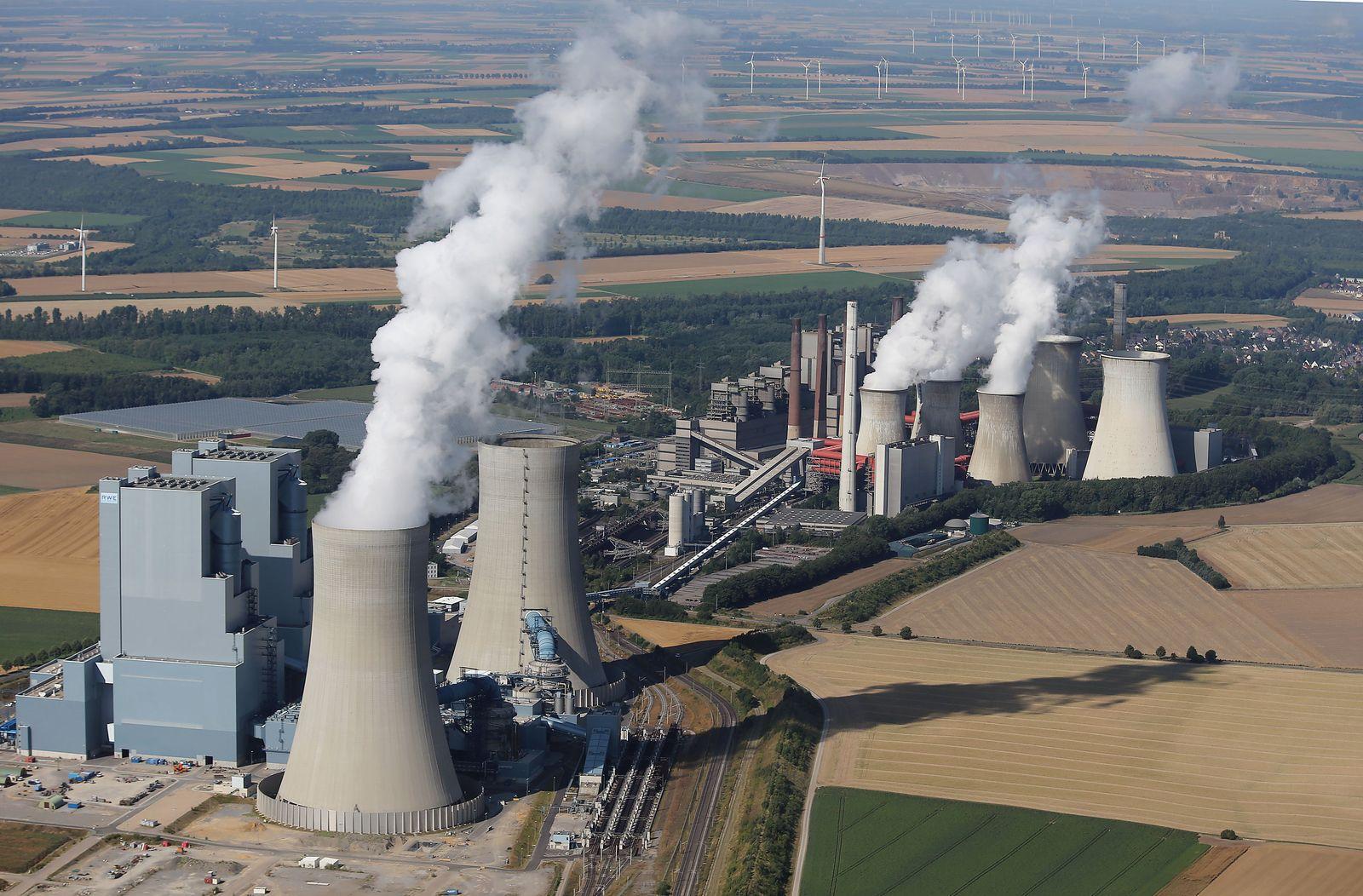 RWE-Braunkohlekraftwerk Neurath