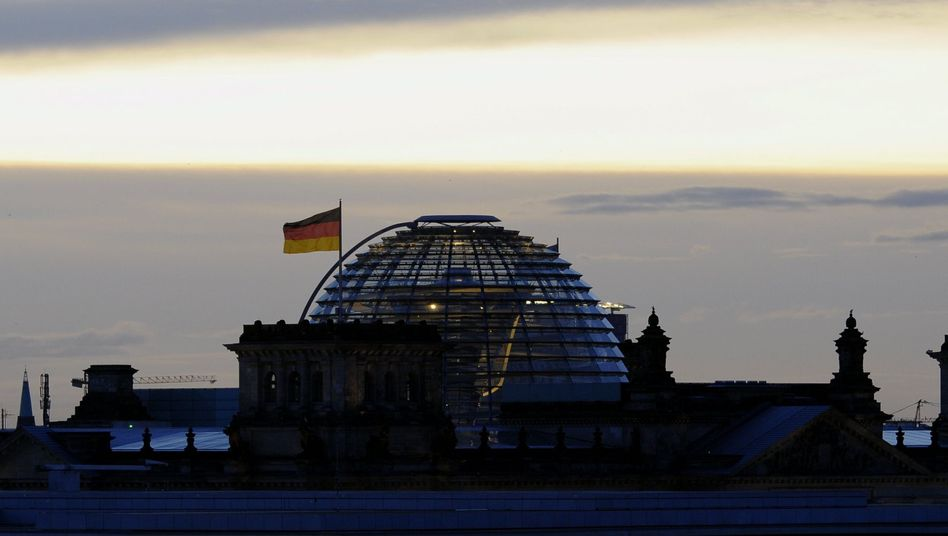 The German parliament building in Berlin: No end of the euro crisis in sight