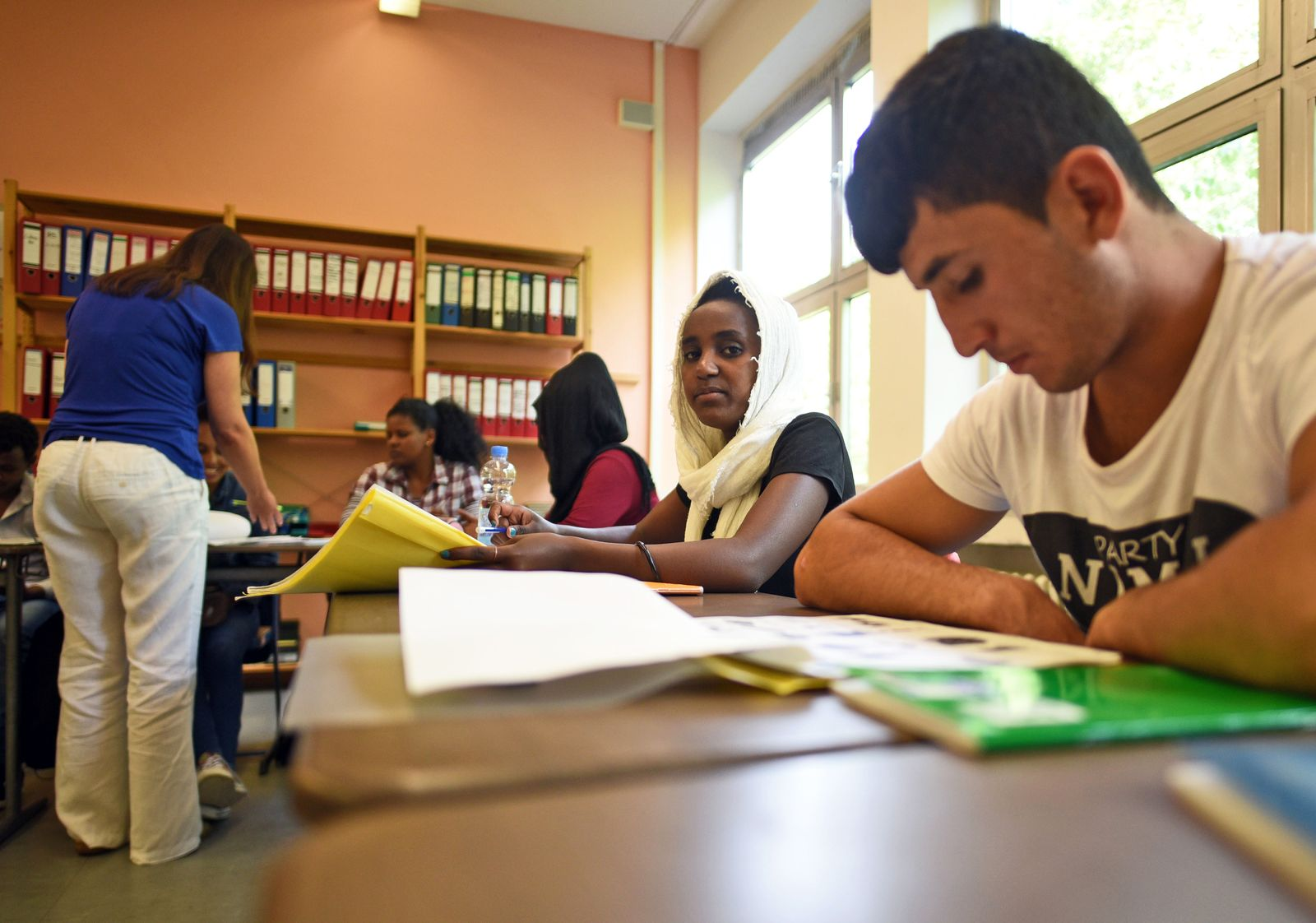 Flüchtlinge / Schulklasse / lernen Deutsch
