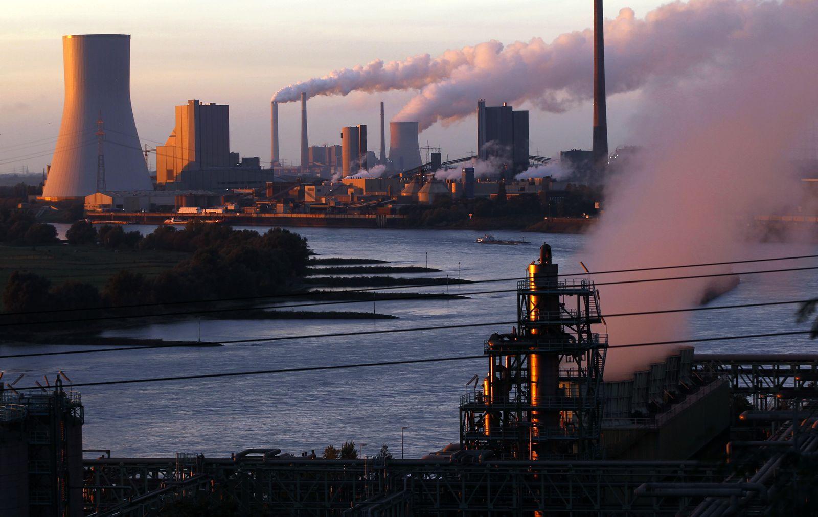DER SPIEGEL 48/2012 SPIN 32pp / Doha / Fabrik / Emissionen
