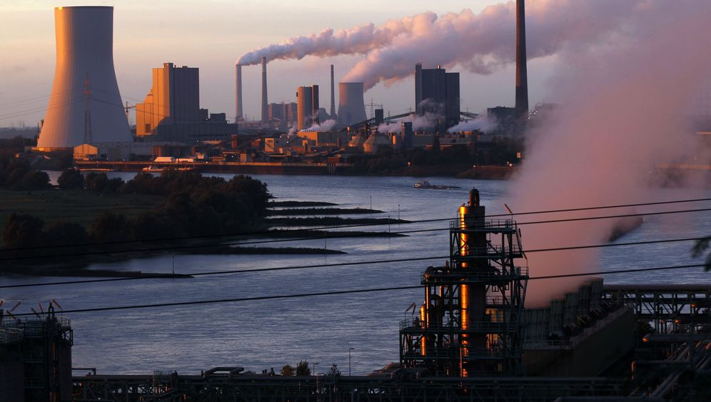 Photo Gallery: Unwilling to Admit Defeat on Climate Targets