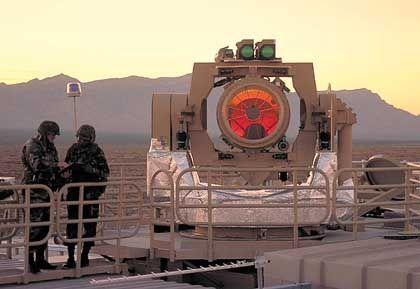 Strahl-Lenkungssystem des THEL: Strahlung sengt auf Metall