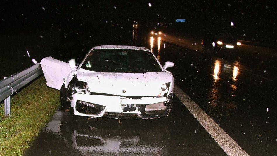 Polizei-Bild von Schallers beschädigtem Wagen: Zu schnell bei schlechter Witterung