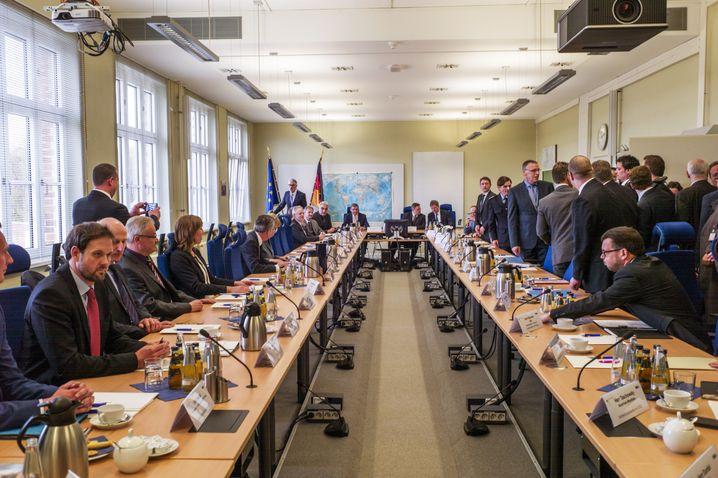 """Konferenz im Terrorabwehrzentrum: """"Wir brauchen eine genauere Analyse"""""""