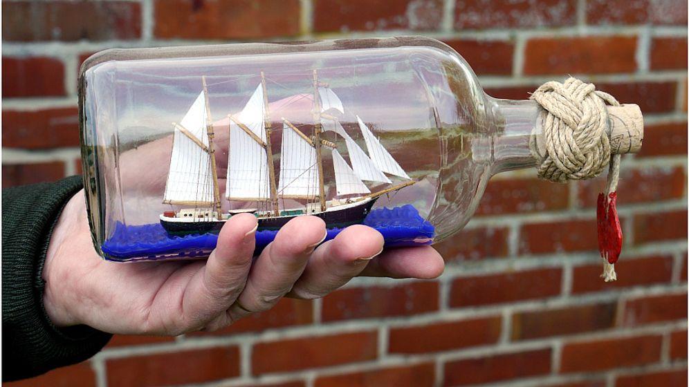 Die Kunst der Buddelschiffe: Schlacht im Glas