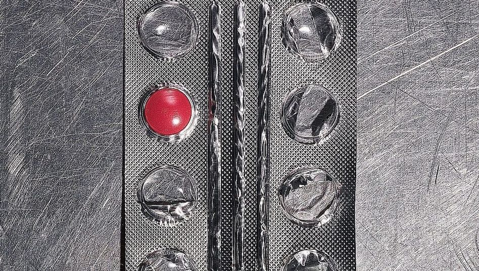 Tablette in Blisterpackung: Jonglieren, tricksen, telefonieren