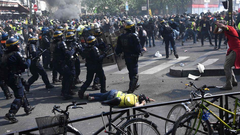 Gelbwesten-Proteste in Paris
