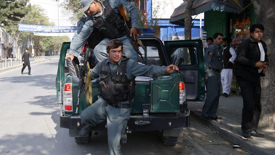 Afghanistan: Taliban greifen Kabuls Regierungsviertel an