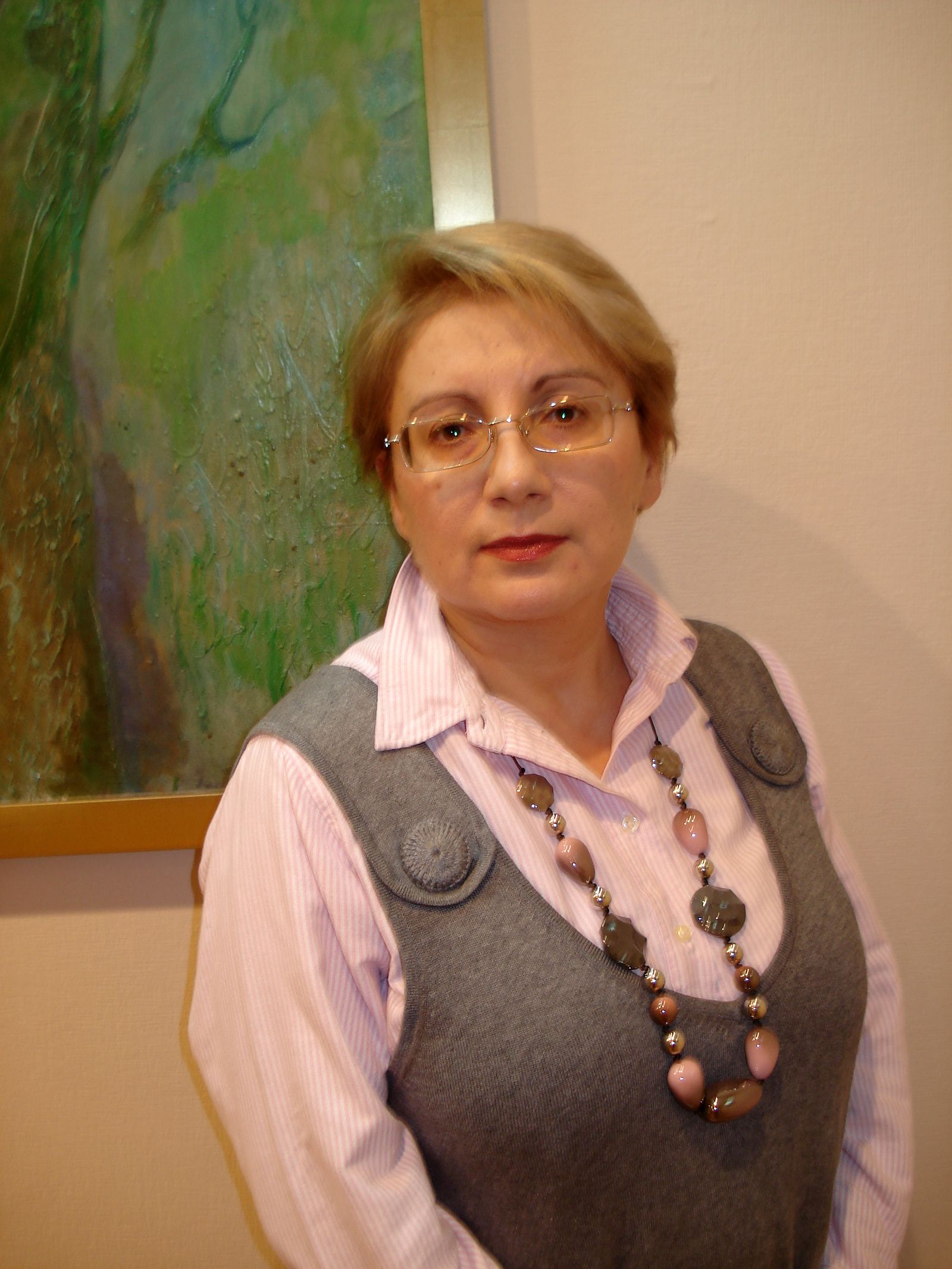 EINMALIGE VERWENDUNG Leyla Yunus