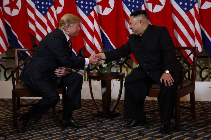 Trump (l.), Kim