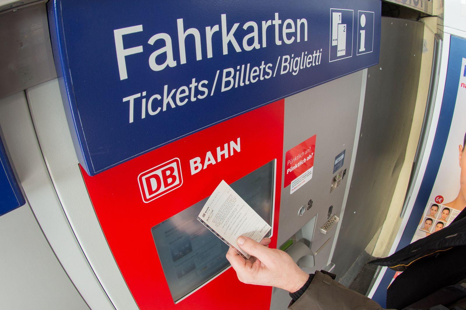 Fahrkarten/ Deutsche Bahn