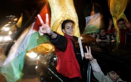 Jugendliche Fatah-Anhänger in Gaza-Stadt: Flagge zeigen gegen die Verluste