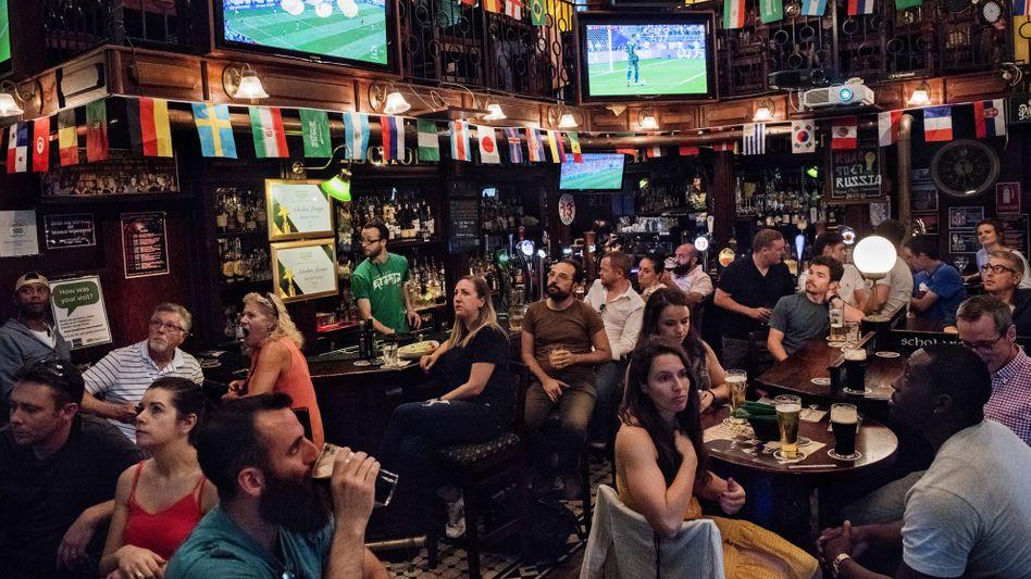 Fußballkneipe in Rom während der WM: Wie auf einem anderen Planeten