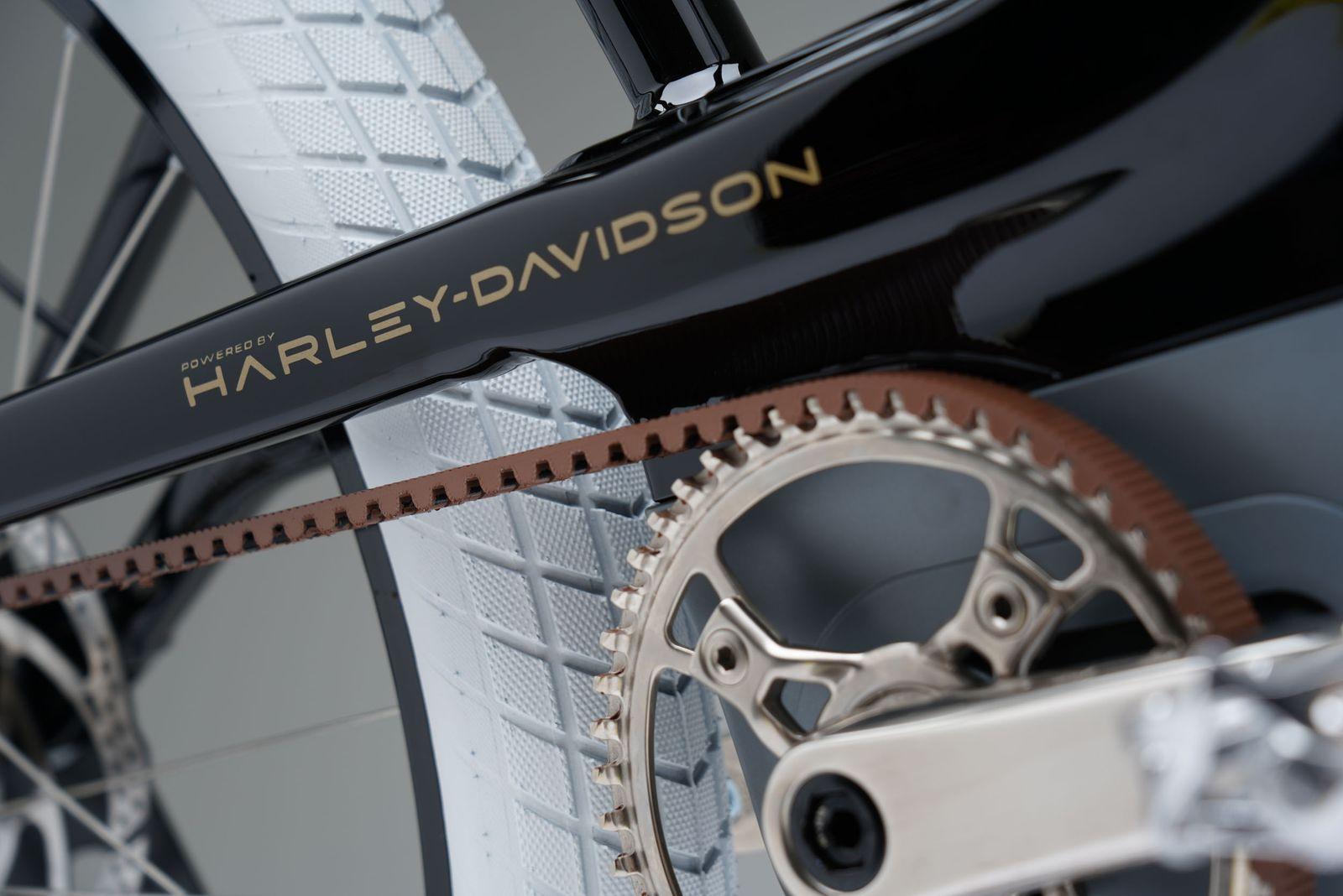 SERIAL 1 - HARLEY-DAVIDSON