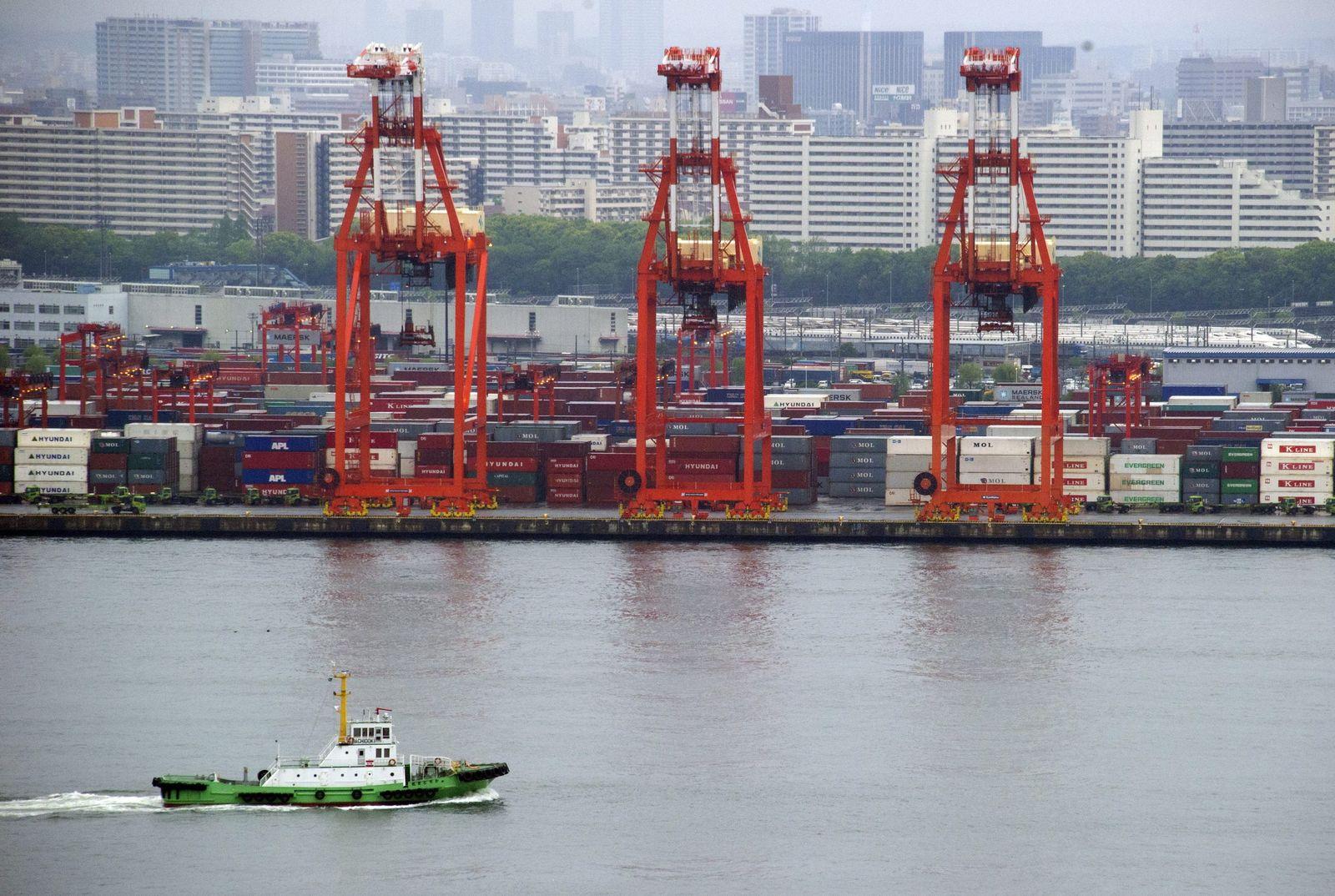 Tokio / Japan / Hafen / Handel / Exporte / Container