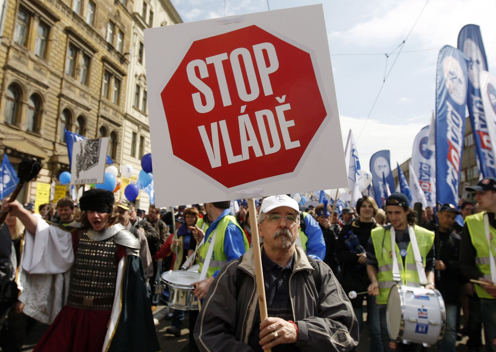 Czech trade unions protest