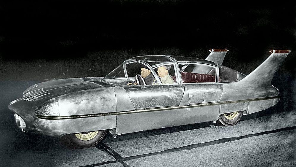 Borgward Traumwagen: An dem Baum - und aus der Traum