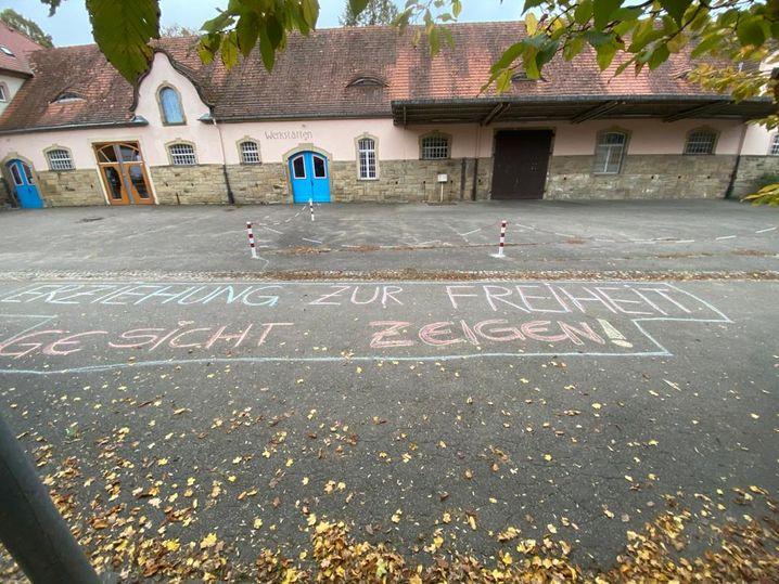 »Erziehung zur Freiheit –Gesicht zeigen«: Maskengegner an der Waldorfschule in Müllheim instrumentalisieren den pädagogischen Leitgedanken
