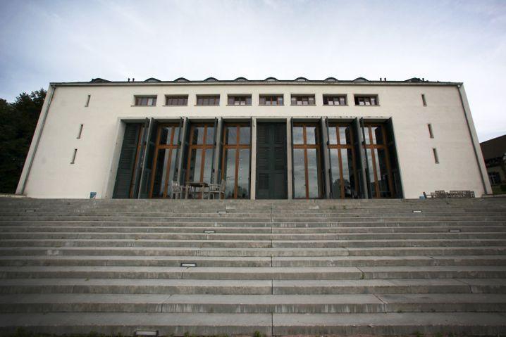 Private Elitehochschule European Business School (EBS) in Oestrich-Winkel: Die enorme Preisdifferenz zu staatlichen Hochschulen ist nicht gerechtfertigt