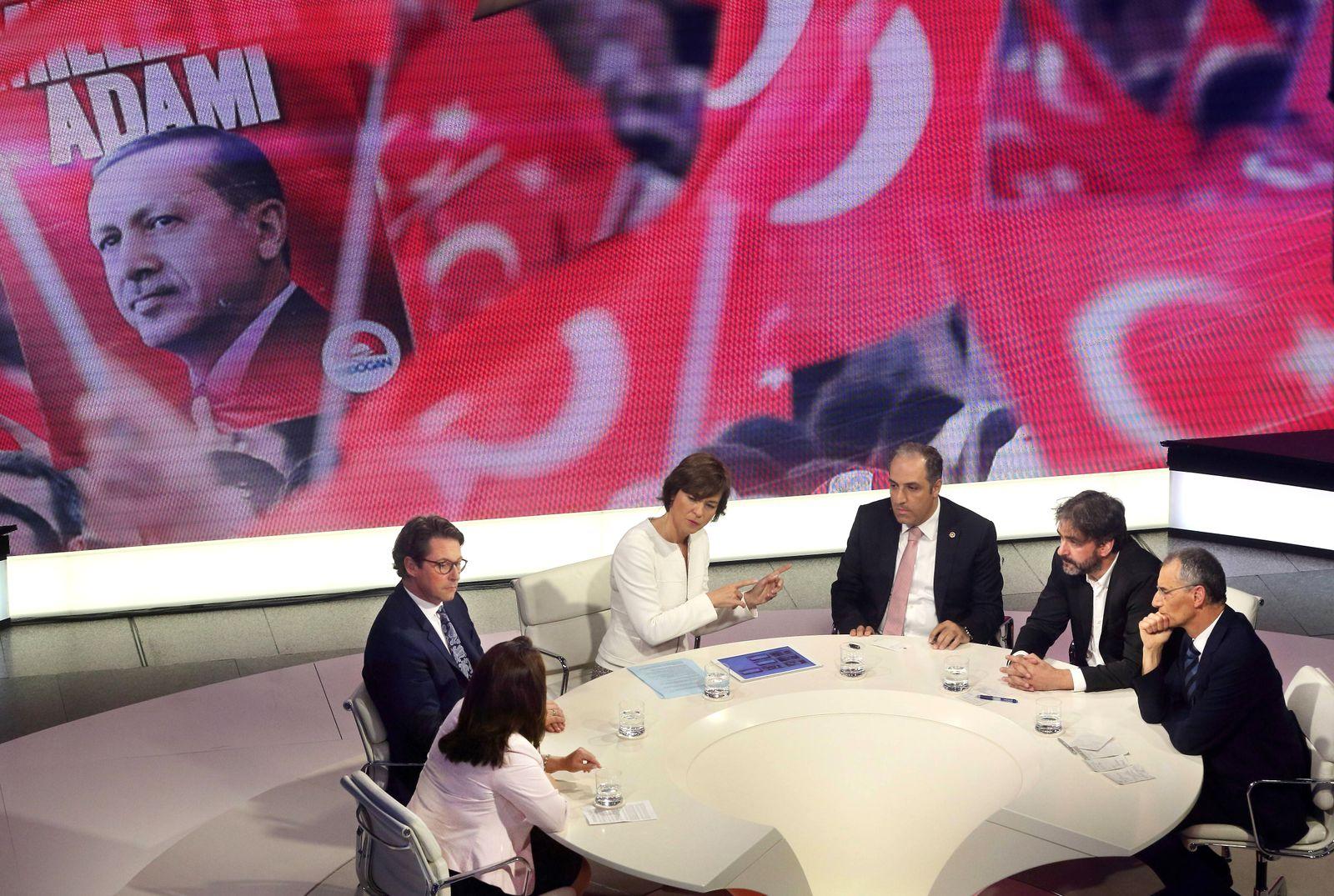 EINMALIGE VERWENDUNG Maybrit Illner/ Türkei