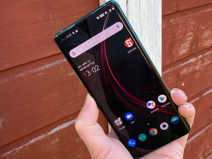 OnePlus 8 Pro: Das Gerät mit Vierkamera-System auf der Rückseite ist vor einigen Wochen erschienen