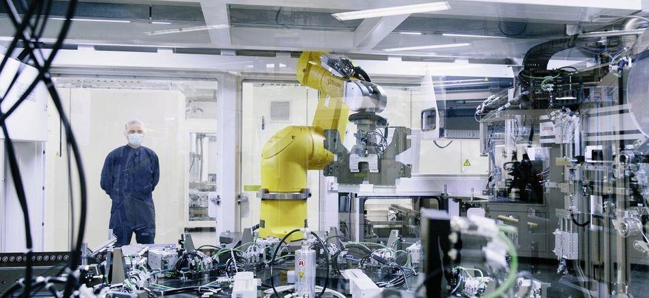 Automatische Akkuzellen-Fertigung bei Li-Tec: Die Partner blieben aus