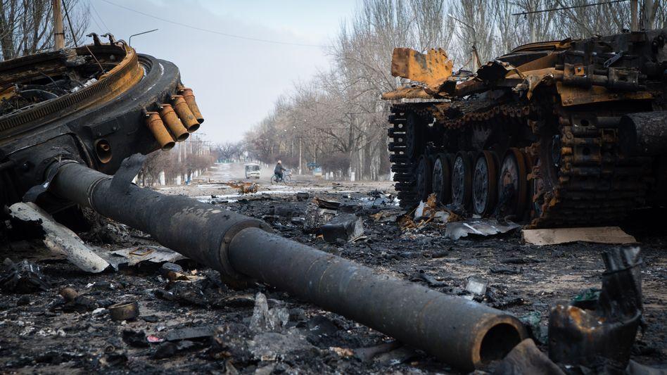 Zerstörter Panzer im ostukrainischen Wuhlehirsk: Amerikaner lästern über Europas gescheiterte Diplomatie