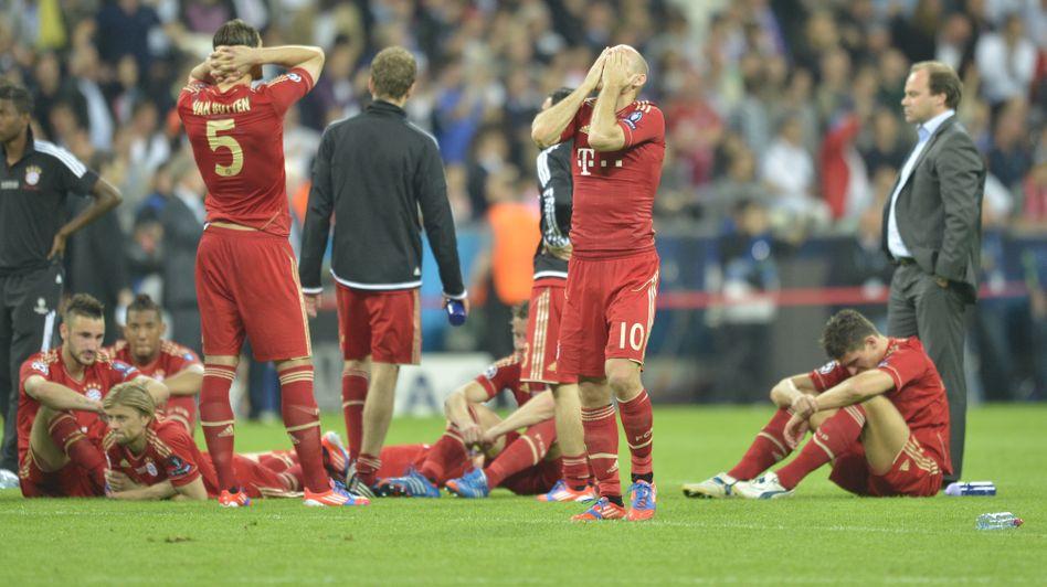 Enttäuschte Bayern-Spieler: Titel im Elfmeterschießen vergeben