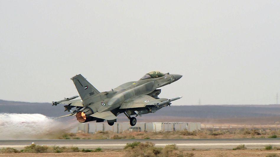 Kampfflugzeug der Emirate: Schritt für Schritt den Amerikanern den Luftkrieg überlassen