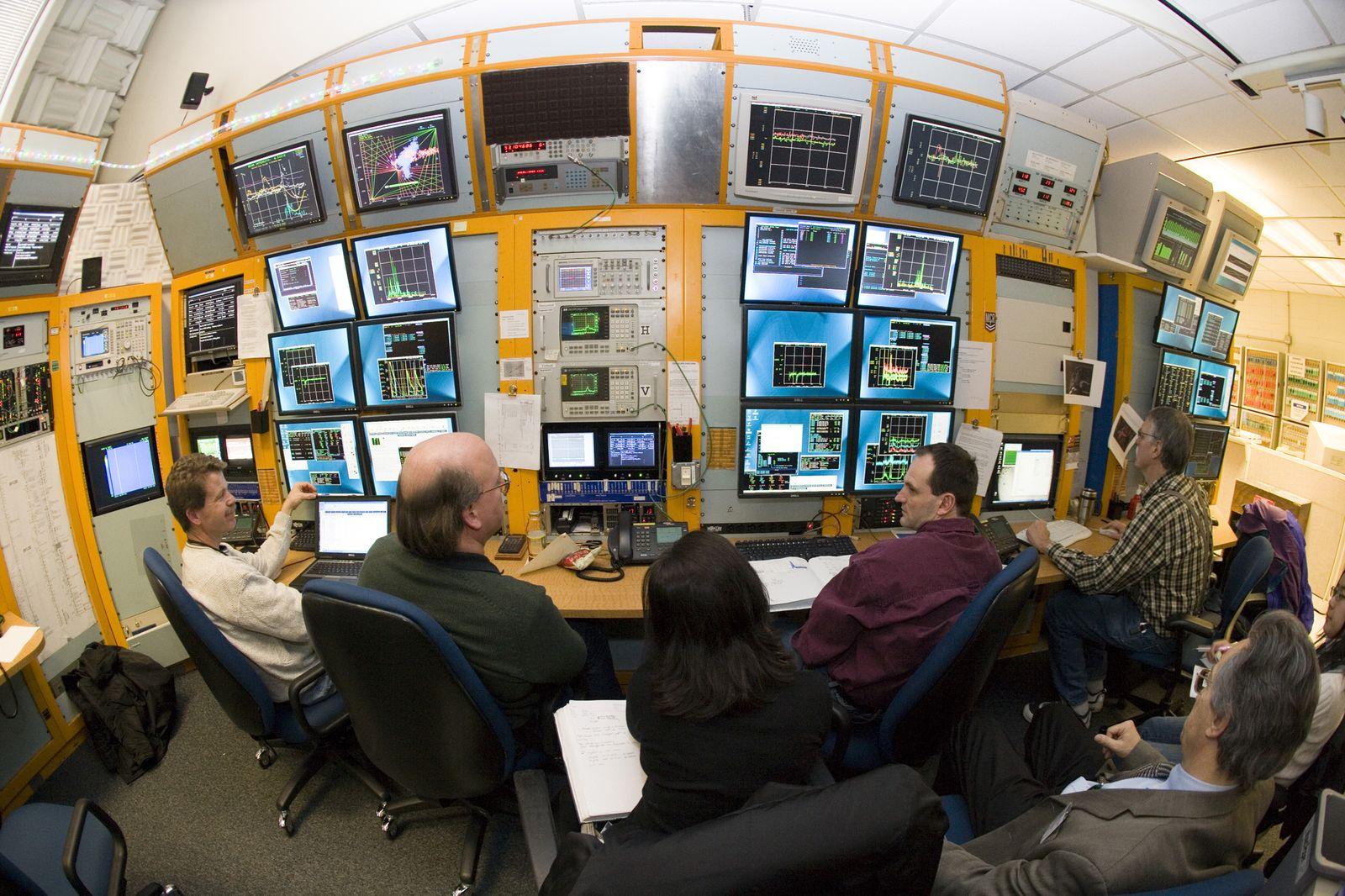 EINMALIGE VERWENDUNG Fermilab Tevatron