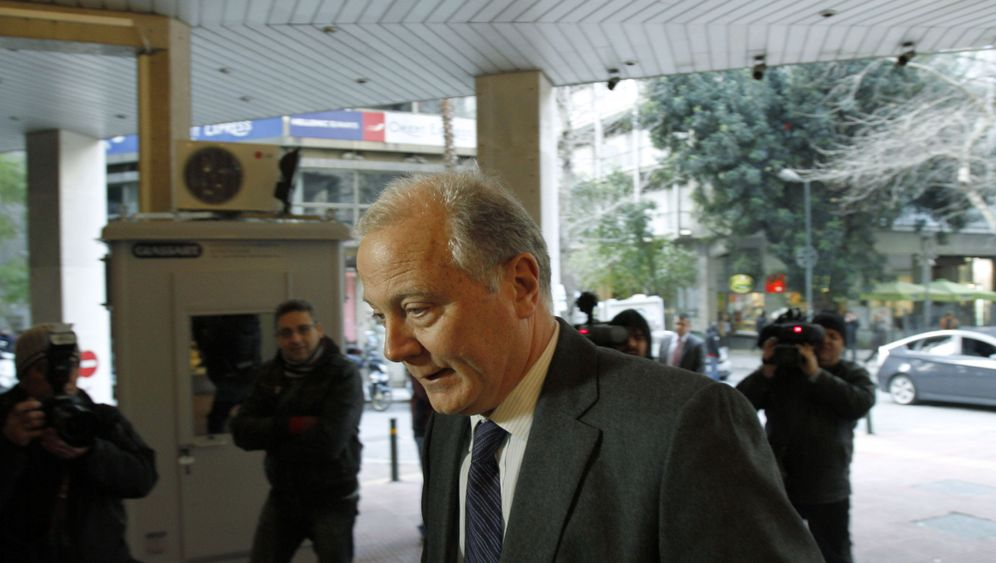 Photo Gallery: ECB Concerned Over Aid to Greek Banks