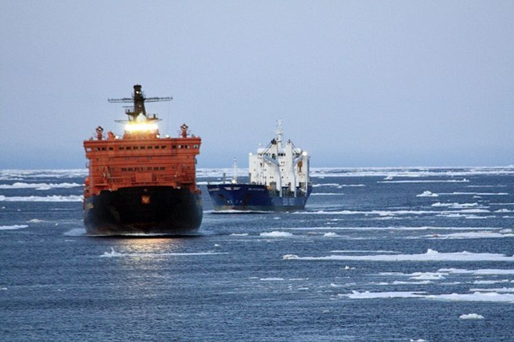 Nordostpassage / Arktis /Schifffahrt