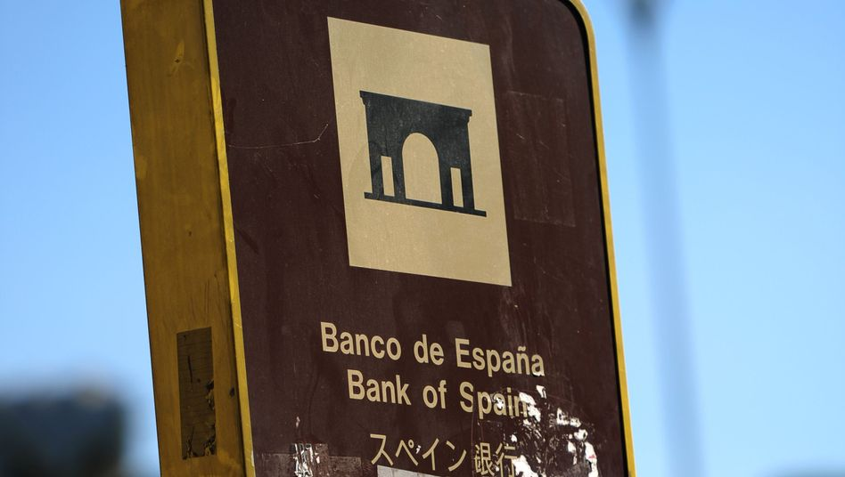 Spain's banks are currently experiecing a credit crunch that is exacerbating the country's economic problems.