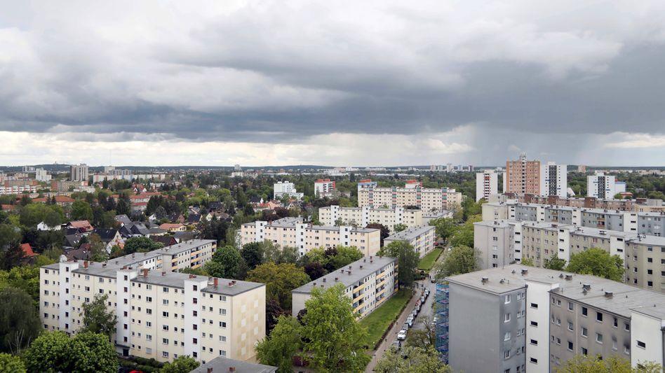 Blick über Miethäuser in Berlin: Thema auf Bundesebene neu belebt