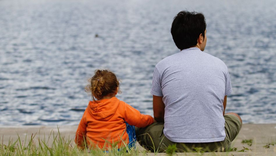 Vater und Tochter in Berlin: Umgangsrechte auch gegen den Willen der Mutter