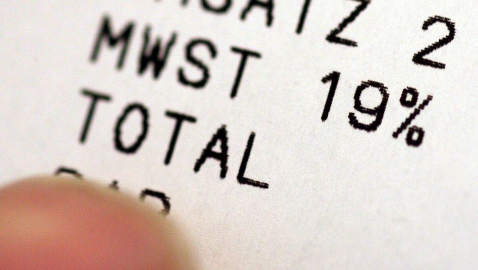 Aktuell beträgt die Mehrwertsteuer regulär noch 19 Prozent - ab dem 1. Juli vorübergehend 16 Prozent