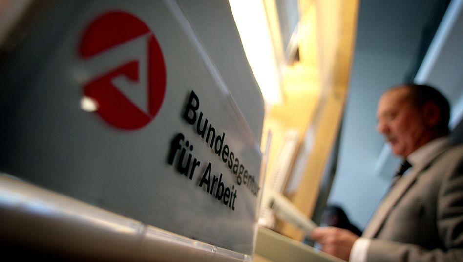 Agentur für Arbeit: Arbeitslosigkeit verschärft Schuldenprobleme