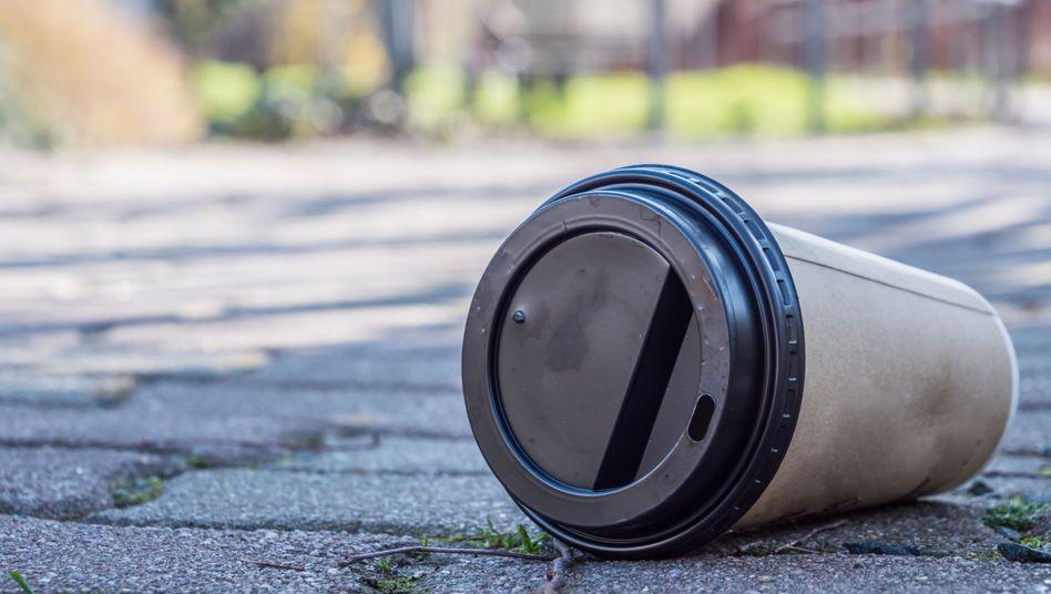 Coffee-to-go-Becher verursachen 400.000 Kubikmeter Müll pro Jahr