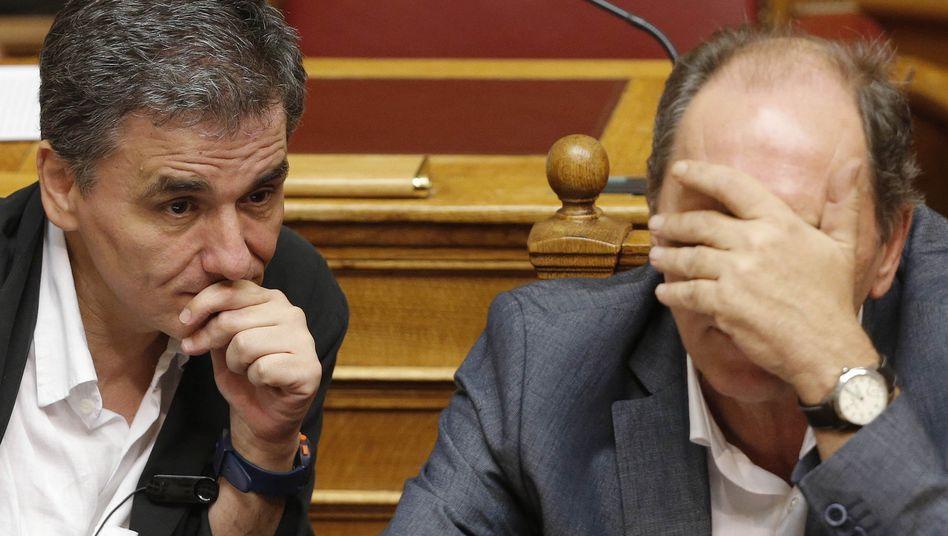 Athen debattiertdrittes Hilfspaket: Parlamentkämpft sich durch24-Stunden-Marathonsitzung