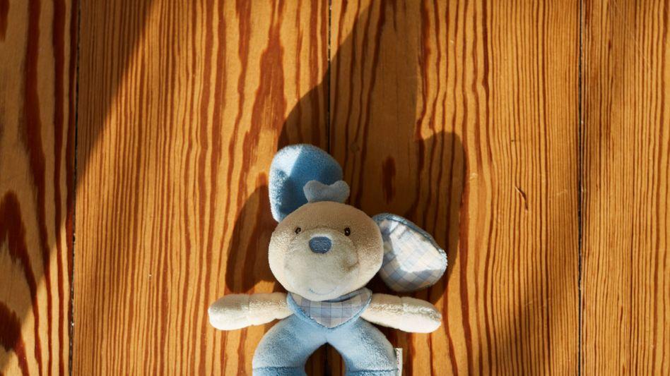 Talisman von Kinderwunschpatientin Schuhmann: Mit jedem Paar, das sein Glück kaum fassen kann, versinkt ein anderes in Trauer