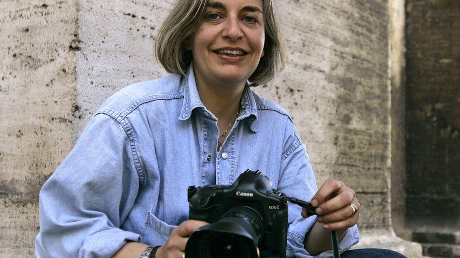 Fotoreporterin Niedringhaus (Aufnahme 2005): Polizist in erster Instanz zum Tode verurteilt
